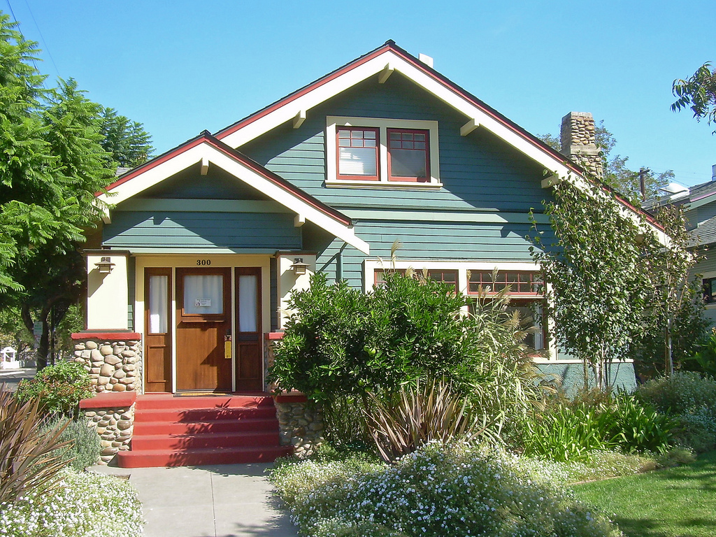 The craftsman bungalow for Craftsman style homes for sale in california